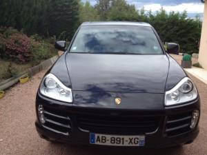 Porsche Cayenne vu de face