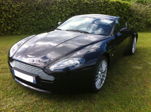 Aston_Martin_V8_vantage_face