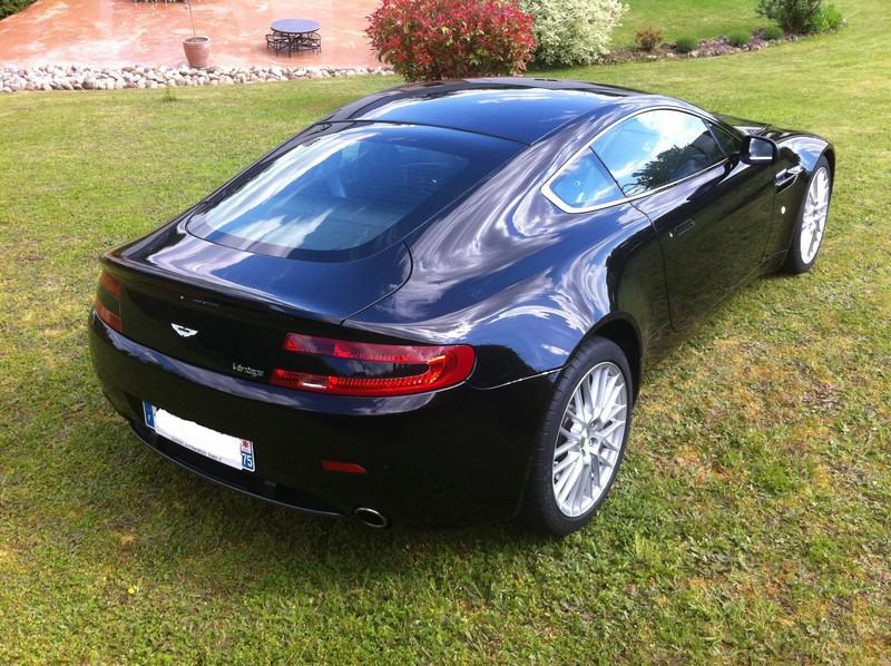 aston martin v8 vantage coupe 4 7l 420ch sportshift car fever page 2. Black Bedroom Furniture Sets. Home Design Ideas
