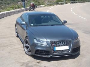 Audi RS5 de face