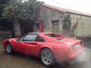Ferrari 328 GTS gauche