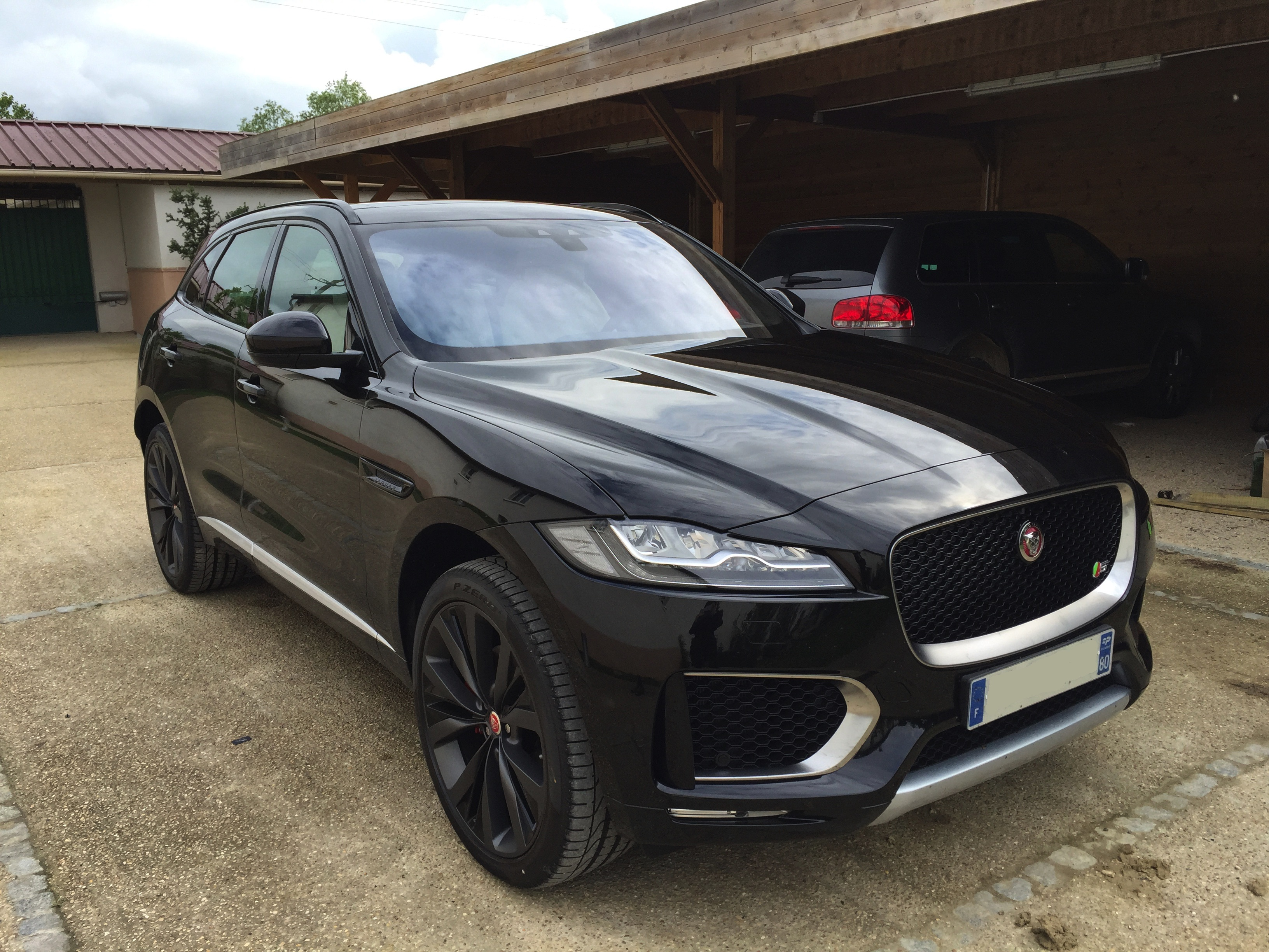 jaguar f pace v6 3 0d 300ch premi re edition 4x4 bva8 car fever. Black Bedroom Furniture Sets. Home Design Ideas