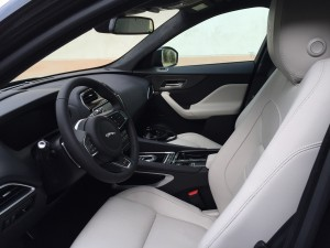 Jaguar F-Pace V6 3.0D 300ch Première Edition 4X4 BVA8 int