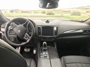 MASERATI LEVANTE 3.0 V6 DIESEL GRANSPORT AUTO 275CH int 2
