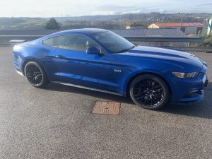 FORD MUSTANG VI FASTBACK  5.0L GT BV6 V8 422ch PREMIUM lateral